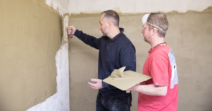 What qualifications do you need to be a plasterer